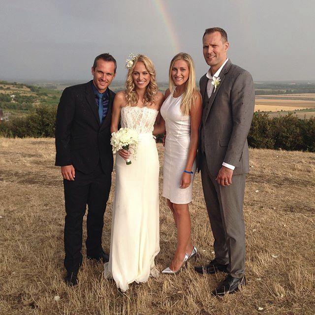 Manželé Hejdovi s novomanželi. Foto: Instagram R. Langmannové.