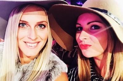 Na UFW se ukázaly i moderátorky Evropy 2 Zorka Hejdová a Katka Říhová. Foto: Instagram Z. Hejdové.