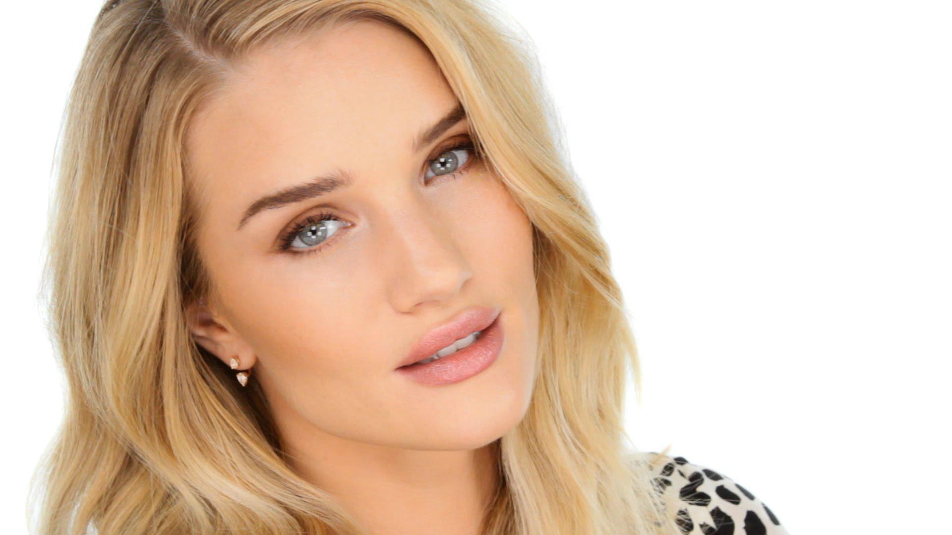 Modelka okouzlila módní svět svou dokonalou tváří, zdroj: Profimedia