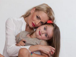 Modelka se starší dcerou Natálkou. Foto: Markéta Divišová / Luxurybabies.