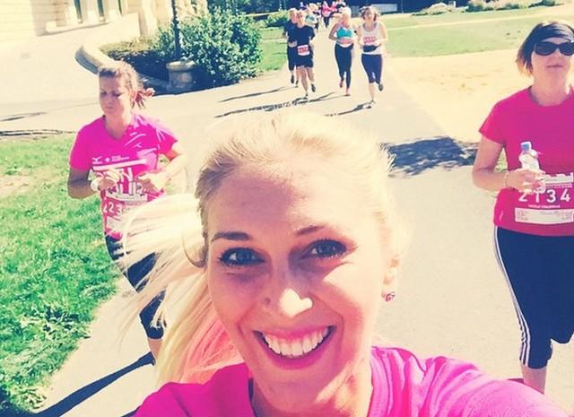 Zorka si na Run Tour 2015 stihla pořídit selfie za běhu. Foto: Instagram Z. Hejdové.