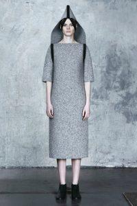 Model návrhářky Dzhus inspirovaný totalitními režimy.