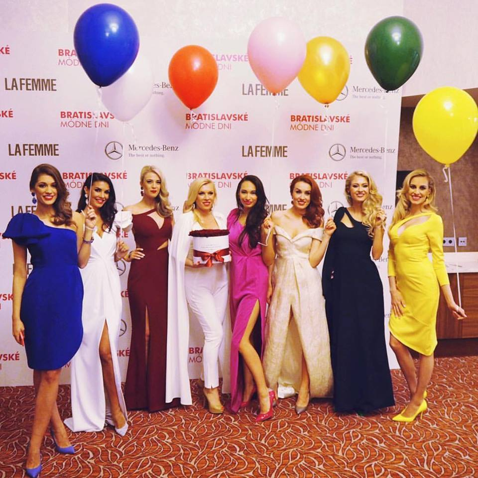 Lenka s kolegyněmi z Fashion TV. Foto: Facebook L. Vacvalové.