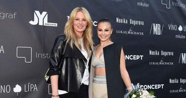 Simona Krainová a Monika Bagárová. Foto: Martin Hykl.