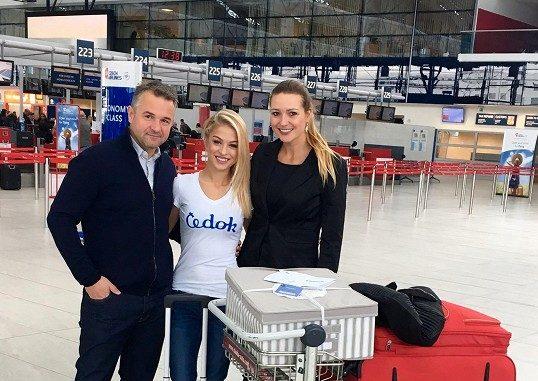 Kristýnu přišlo na letiště vyprovodit i nové vedení České Miss. Foto: Česká Miss.