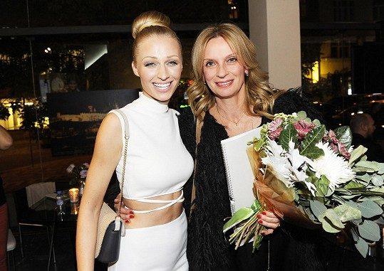 Veronika s Ivanou Chýlkovou. Foto: Michaela Feuereislová.
