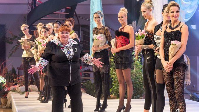 Helena Konarovská během závěreční děkovačky. Foto: Le Chaton.